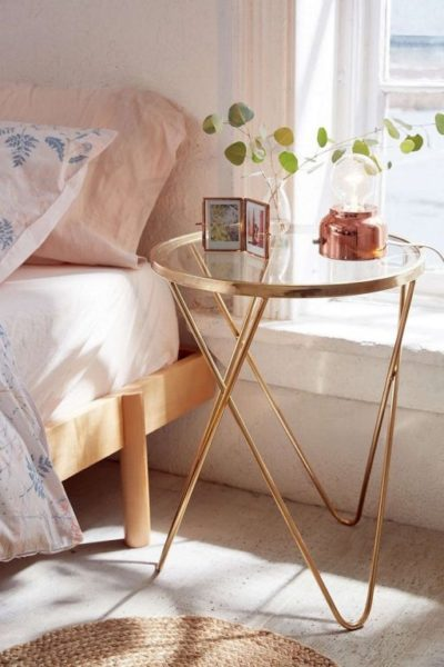 simple bedside table desigs