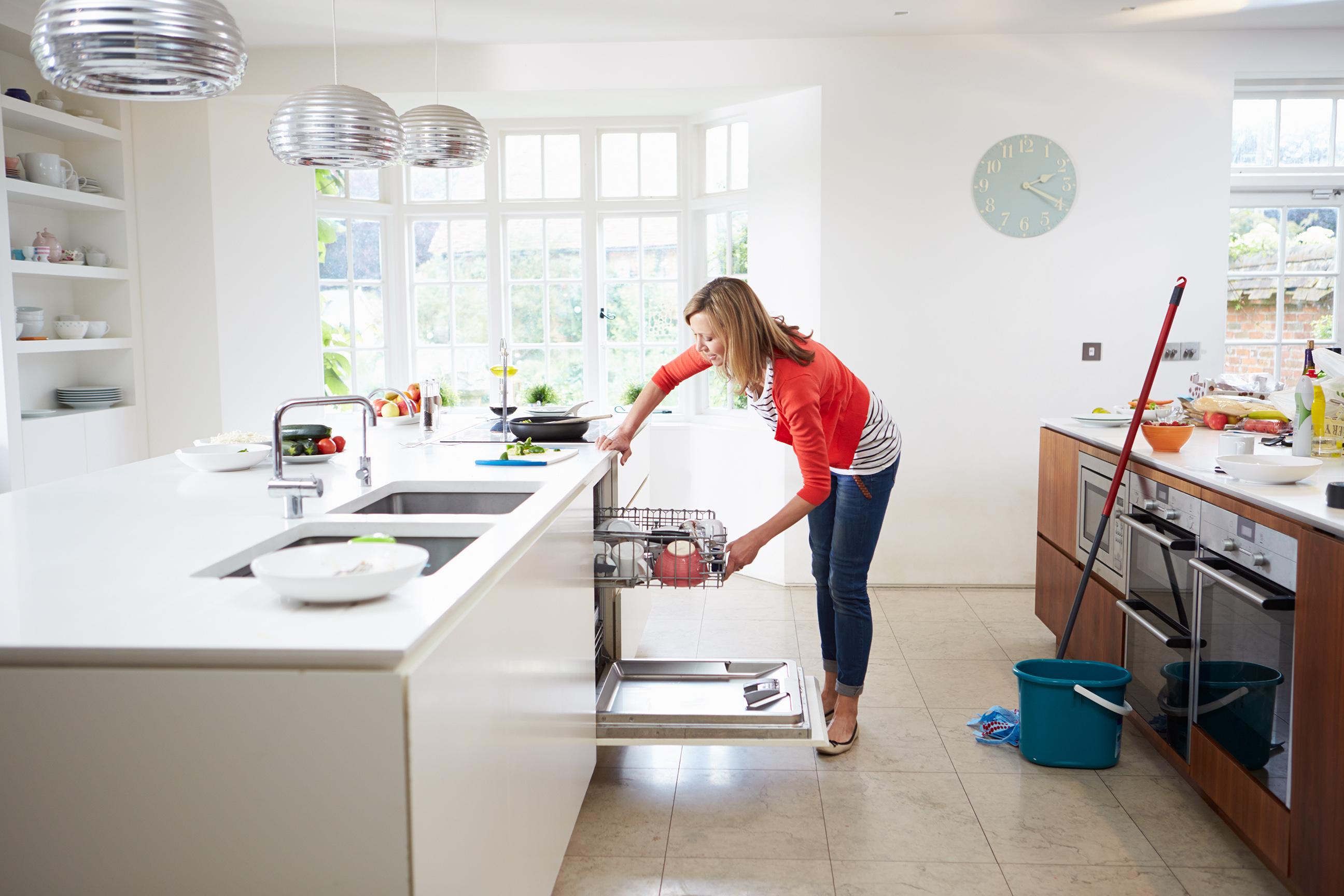 modular kitchen cleaning